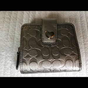 Coach Embossed logo short wallet